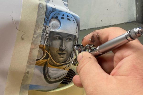 David painting Gretzky